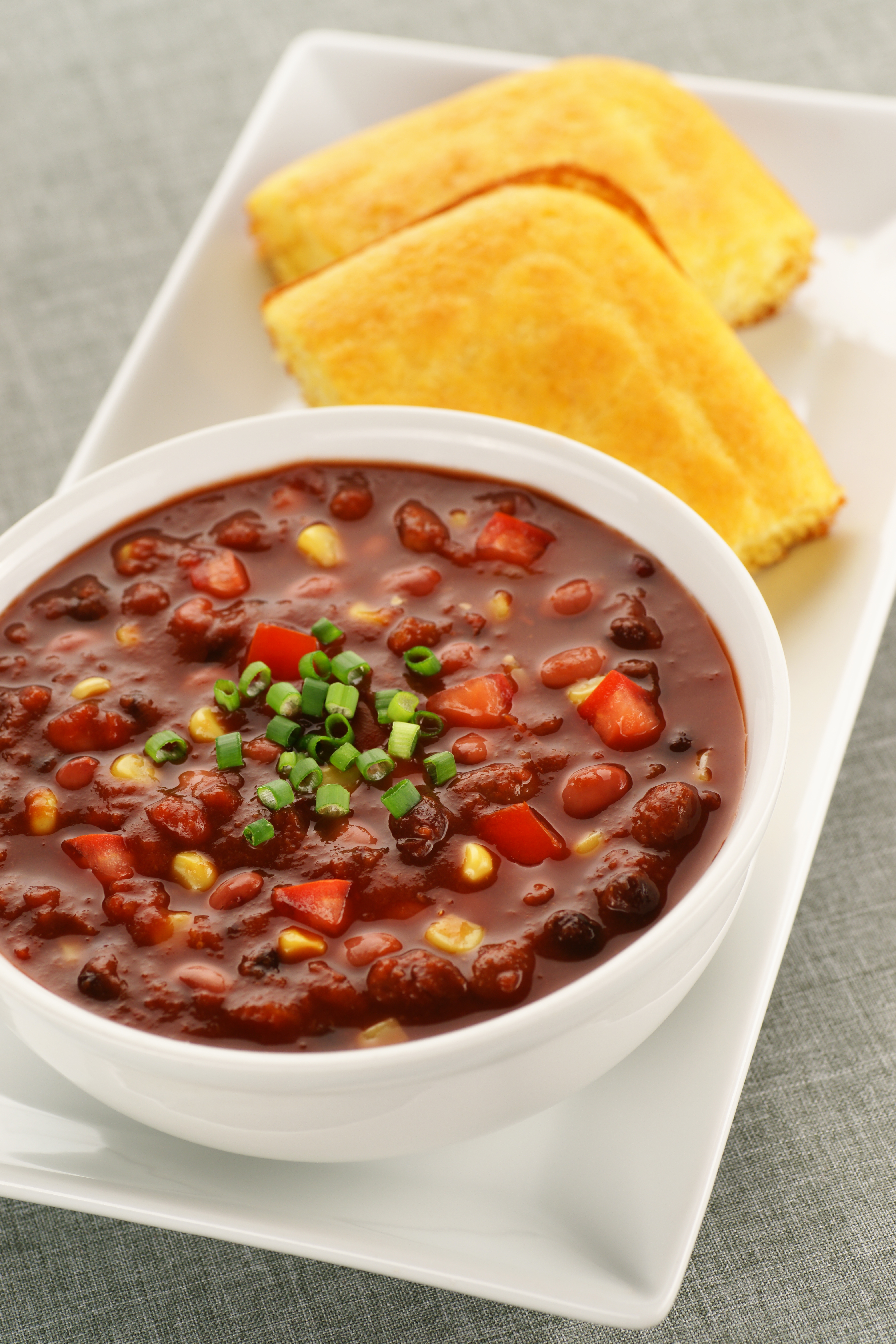 Meal Makeover: Fall Comfort Food (Vegetarian Chili and Cornbread)