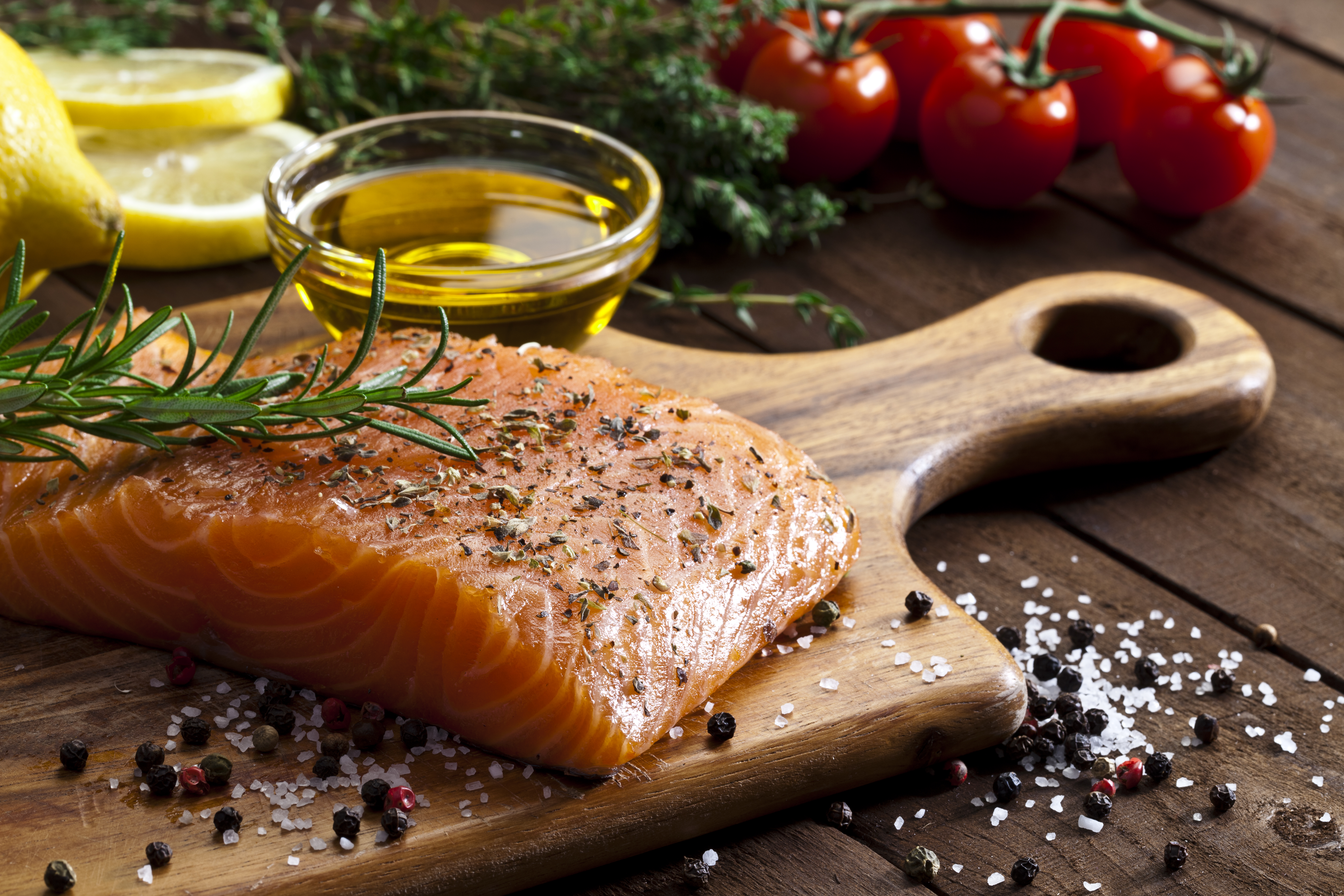 Flex Meal: One-Skillet Salmon with Asparagus and Quinoa