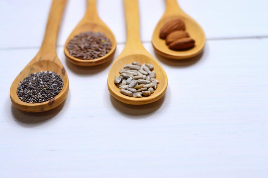 Seeds (flax seeds)